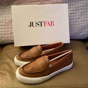 NWOT Just Fab slip on shoes
